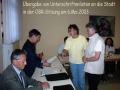 2003-05-06-OBR Übergabe Unterschriften